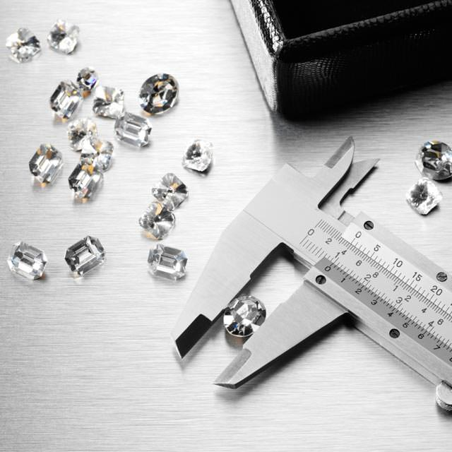f7513794ce86 Prioritize the Diamond 4Cs to Fit Your Budget