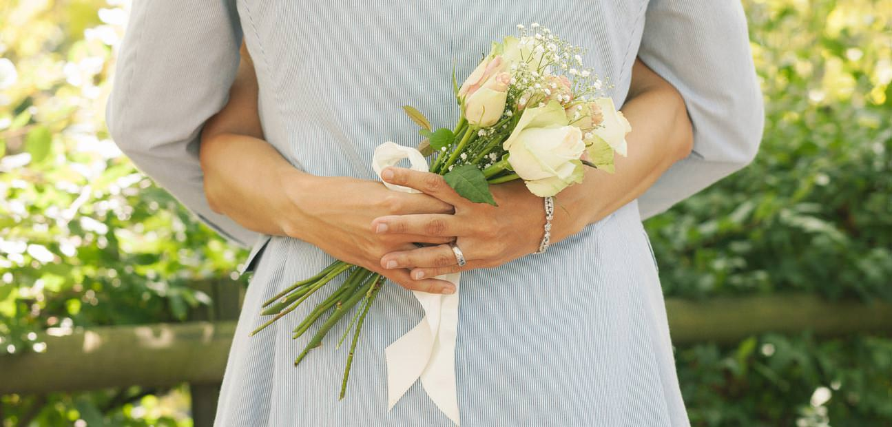 Wedding Anniversary Gift Guide: Wedding Anniversary Shopping Guide