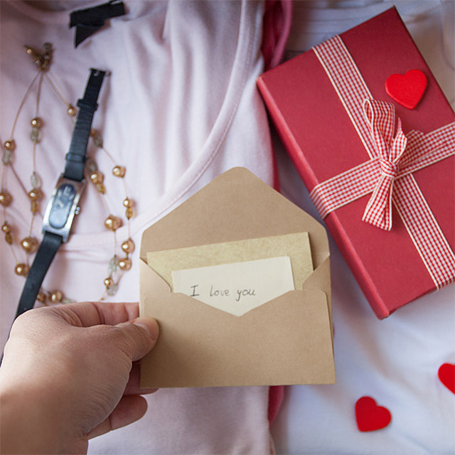 Surprise 5 Great Ways To Present A Special Gift